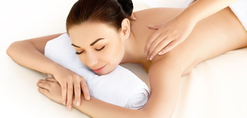 recebendo massagem