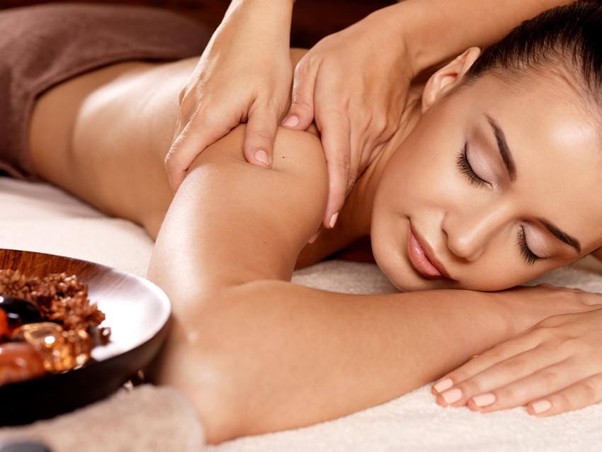 massagem no ombro para quem tem disposição