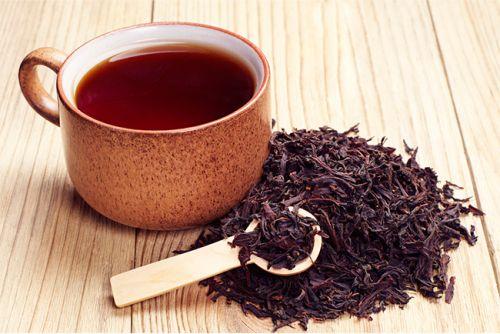 chá preto para espinhas
