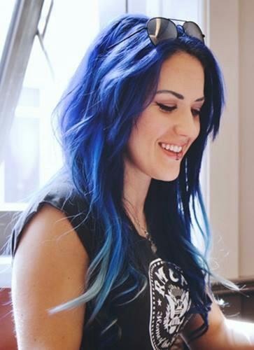 alissa cabelo azul