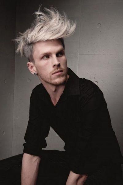 cabelo loiro platinado homem