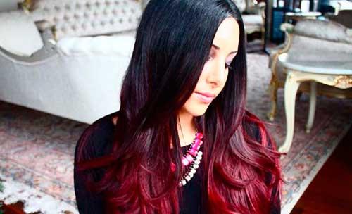 cabelo preto mechas vermelhas