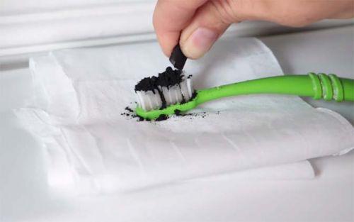 carvão para clarear os dentes em casa