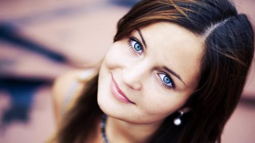 cirurgia para mudar a cor dos olhos complicação