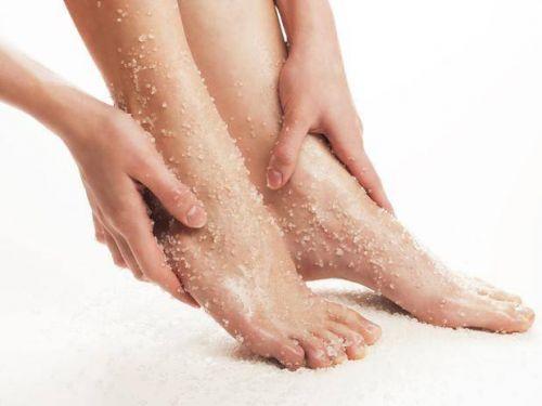 esfoliante contra rachadura nos pés