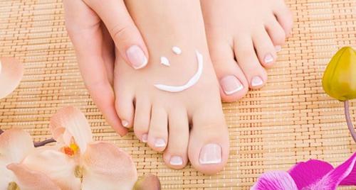 tratamento para rachadura nos pés