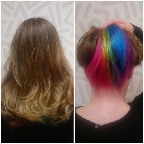cabelo arco iris escondido na nuca