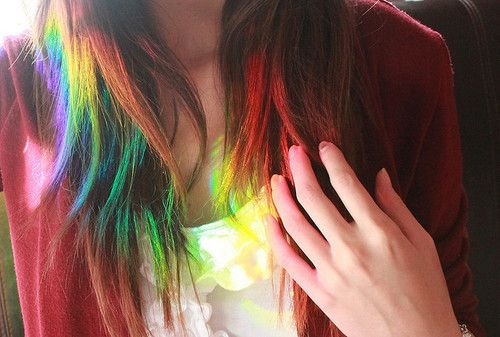 cabelo arco iris nas pontas