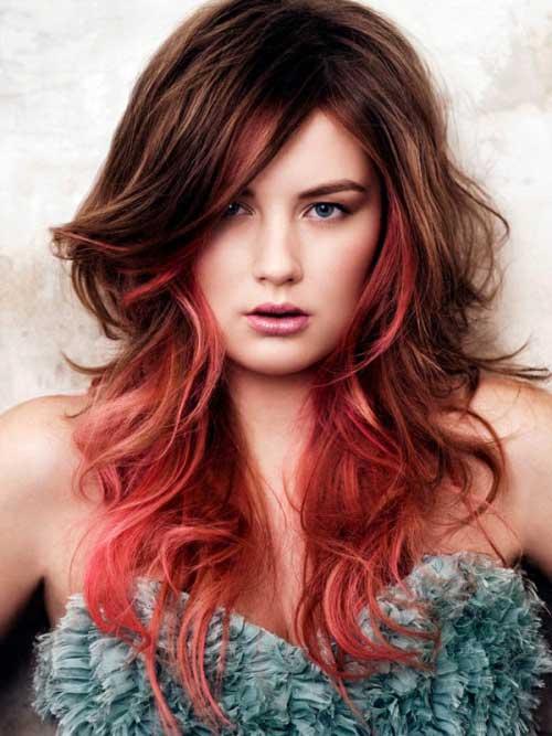 cabelo loiro com mechas vermelhas