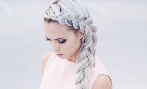 granny hair platinado feminino