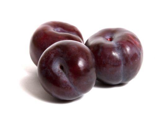 frutas ricas em proteínas ameixa
