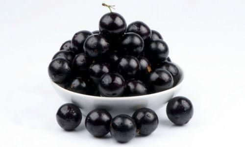 frutas ricas em proteínas jabuticaba