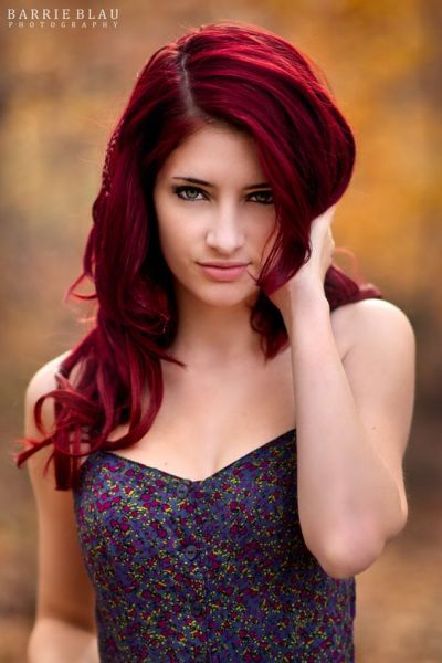 cabelo vermelho escuro cor sobrancelha