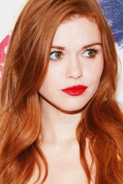 cabelo e sobrancelha ruiva
