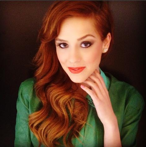 cabelo ruivo Sophia Abrahão